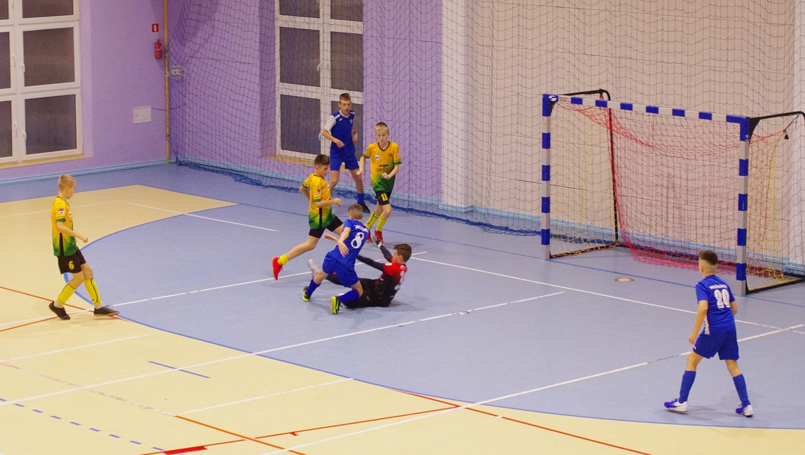 Halowy Turniej o Złotą Podkowę Racotu- C2. Robert Kubka najlepszym bramkarzem.